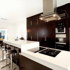 Casa Temozón 17: Cocinas de estilo  por Arturo Campos Arquitectos, Moderno