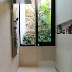Baños de estilo  por ZAAV Arquitetura