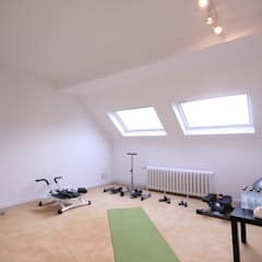 BRUSSELS HOME STAGING:  Fitnessraum von edit home staging