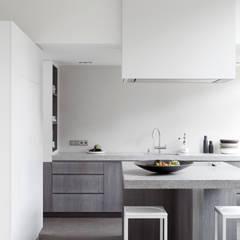 Kitchen by Remy Meijers Interieurarchitectuur, Modern