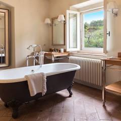 Baños de estilo  por Arlene Gibbs Décor, Rústico