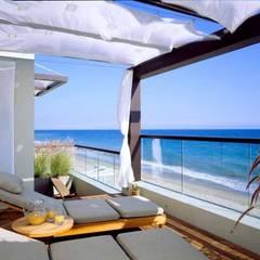 Modern Australian Beach Style Home:  Terrace by Bella life Style