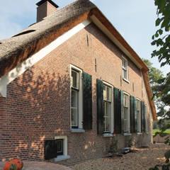 Klingkenberg:  Huizen door Frank Loor Architect,