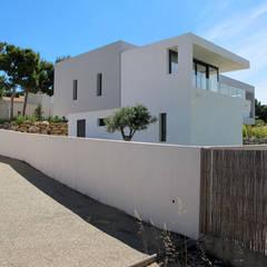 Maison  |  Carry-le-Rouet: Maisons de style de style Minimaliste par Christian Fares