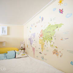 Nursery/kid's room by 퍼스트애비뉴, Mediterranean
