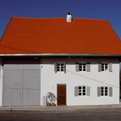 Fassade strassenseitig:  Häuser von heidenreich architektur