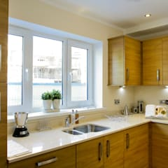 Show Flat :  Kitchen by Lujansphotography