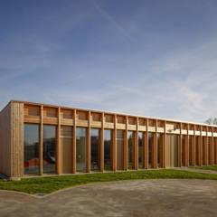 Ansicht von Westen:  Schulen von MGF Architekten GmbH