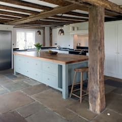 Projects / Kitchens:  Kitchen by Hartley Quinn WIlson Limited