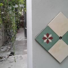 CASA FOTOMÁTICA Paredes y pisos clásicos de ESTUDIO MYGA Clásico