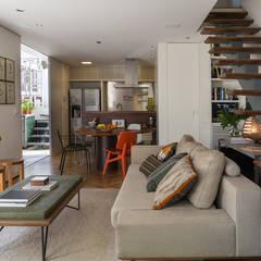 Salas / recibidores de estilo  por SALA2 arquitetura e design,