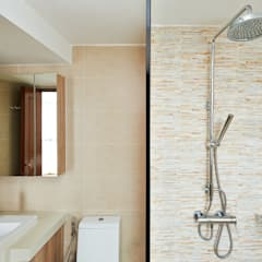 The Bayshore:  Bathroom by Eightytwo Pte Ltd,