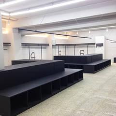 NEVER GREEN STORE UNDERGROUND: studio azellier의  가게