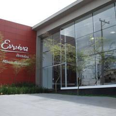 loja de moveis planejados Lojas & Imóveis comerciais modernos por arquiteto Moderno