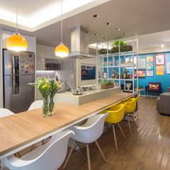 Apartamento Trama: Cozinhas  por Semerene - Arquitetura Interior