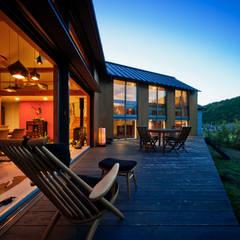 曲居 kyokkyo: UZUが手掛けた家です。,北欧