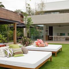 Terrace by Marilia Veiga Interiores