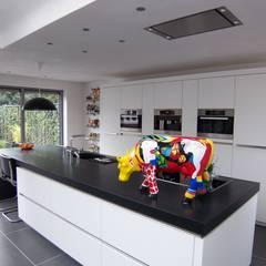 nieuwe keuken:  Keuken door EIKplan architecten BNA