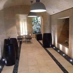 Bodega en Mares para una vivienda unifamiliar en Ibiza: Bodegas de estilo  de Ivan Torres Architects