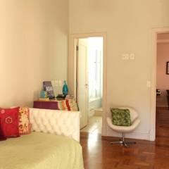 Dormitório Filha: Quartos  por Ornella Lenci Arquitetura