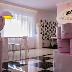 SHOWROOM WILLI : styl , w kategorii Przestrzenie biurowe i magazynowe zaprojektowany przez livinghome wnętrza Katarzyna Sybilska