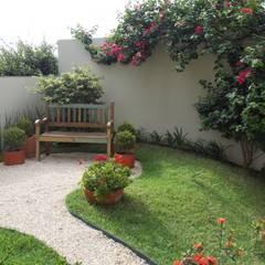 حديقة تنفيذ Lúcia Vale Interiores,
