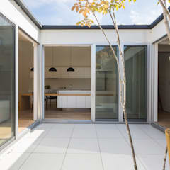 稲沢の家: H建築スタジオが手掛けたテラス・ベランダです。