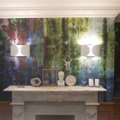 Moss, one off wallpaper Boston MA eetkamer: eclectische Eetkamer door Workingbert