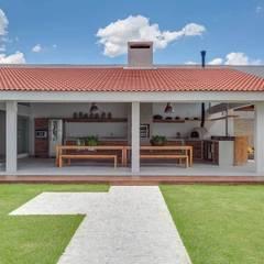 Kolam Renang by Nautilo Arquitetura & Gerenciamento