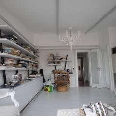 Studio in stile  di DerganÇARPAR Mimarlık