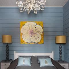«Ягодная» дача: Спальни в . Автор – Atelier Interior, Кантри