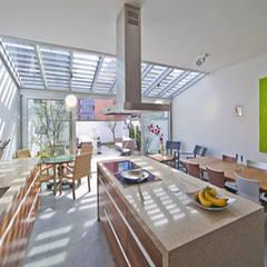 herenhuis IJburg Steigereiland:  Keuken door Florian Eckardt - architectinamsterdam