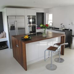 Kitchen by Mohsin Cooper Architects,