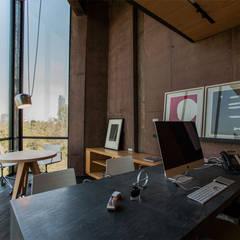 Oficinas Corporativas de Cm2 Management: Oficinas y tiendas de estilo  por Cm2 Management