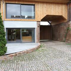 Historisches Torhaus im Odenwald Moderne Häuser von Karl Kaffenberger Architektur   Einrichtung Modern