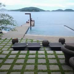 泳池 by CAMASA Marmores & Design, 現代風