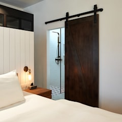 ColdStream Avenue:  Bedroom by Eightytwo Pte Ltd,