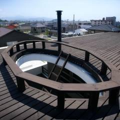 愛媛県松山市の家: Y.Architectural Designが手掛けたテラス・ベランダです。,モダン