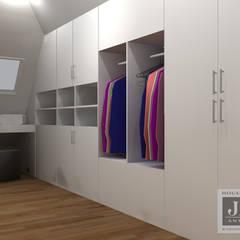 Maatwerk:  Kleedkamer door House of JAB by Verstappen Interiors,