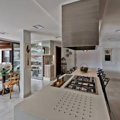 آشپزخانه by Espaço do Traço arquitetura