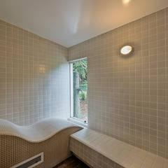Sauna - Spa da floresta: Spas modernos por Espaço do Traço arquitetura