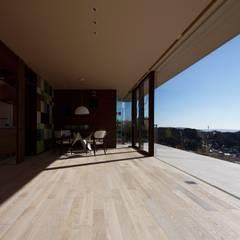リビング | CASA BARCA | 海を眺める豪邸(別荘建築): Mアーキテクツ|高級邸宅 豪邸 注文住宅 別荘建築 LUXURY HOUSES | M-architectsが手掛けたリビングです。