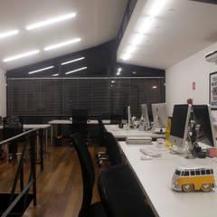 Офисы и магазины в . Автор – MM18 Arquitetura, Модерн