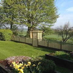 Fencing project Atkinsons Fencing Ltd Scandinavian style garden