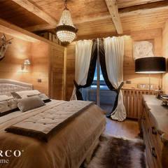 CHALET: Camera da letto in stile  di turco home srl