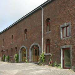 Pusat Konferensi by Architectenbureau Van Hunnik, Lambrechts en Overduin