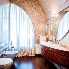 ВИЛЛА В ПОДМОСКОВЬЕ В СОВРЕМЕННОМ СТИЛЕ, 300 КВ.М.: Ванная комната в . Автор – Студия дизайна интерьера Елены Крыловой,