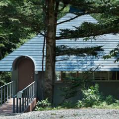 Casas de estilo  de AIDAHO Inc., Ecléctico