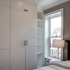 Park Slope Brownstone 3:  Bedroom by Ben Herzog Architect