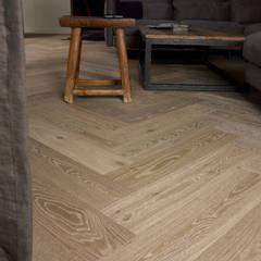 ห้องนั่งเล่น by Nobel flooring